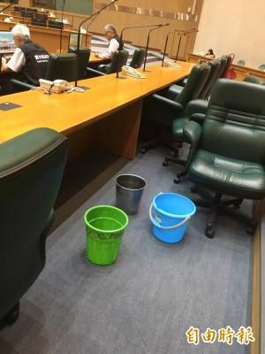 5千萬整修後首次遇大雨 雲縣議會仍然「下小雨」
