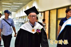 致力台語戲劇 導演林福地獲台東大學名譽博士學位