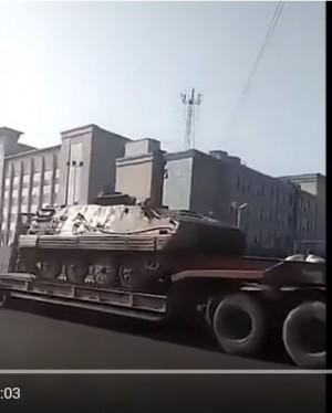 中國老兵維權抗爭 傳鎮江戒嚴、調2個師開坦克進場鎮壓