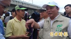 農委會主委:鳳梨農北上抗議是選舉操作