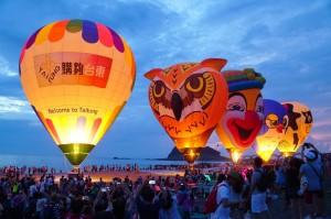 熱氣球迎曙光!數千人湧三仙台爭睹美景