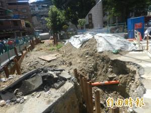 基隆復興路212巷雨水下水道工程延宕 颱風逼近住戶緊張