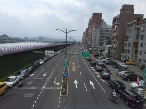 因應颱風 新北下午4點 開放紅黃線停車、 6點Youbike停借