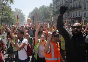 工會發動滾動式罷工 法國國鐵已損失282億元