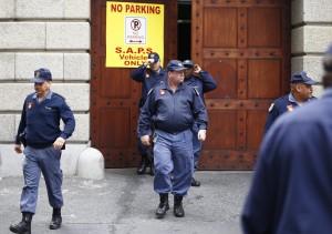 南非街頭血腥伏擊 11名計程車司機被槍殺