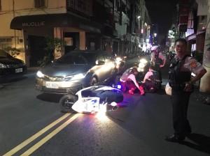 被車拖行上百公尺…警察急智1招救自己抓到毒犯