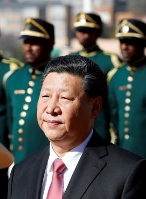 劉霞掙脫中國 文學家看習近平:失去微笑能力的強人
