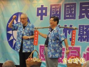 藍營行動中常會抵竹縣 吳敦義穿客家花布衫挺楊文科