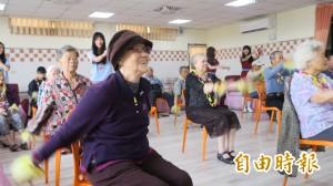 從質疑沒人來到須排隊等待 彰化醫院老人日照中心做到了