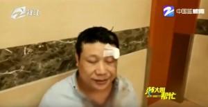 杭州計程車遭乘客爆打受訪 中網友笑「長相太招仇恨」