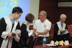 32年冤案得雪 蘇炳坤落淚:高興不起來,來得太晚了!