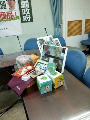 盧秀燕陣營指控:林佳龍濫用公帑、變相賄選