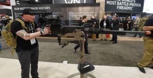 改用重機槍「狙擊」 英狙擊手一槍擊殺IS指揮官