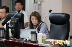 轉貼也告!被控詐領議會出席費 顏若芳怒告一串網友