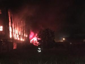 桃園雕像廠大火延燒2廠房 廠區付之一炬