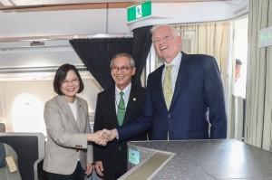 小英訪NASA成台灣總統第一人 中官媒吃味:買票都可去啊
