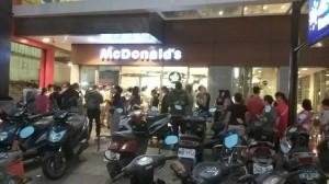 麥當勞之亂 員工打烊清4小時「手爛了」