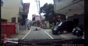 網友埔里遇見「假車禍新手」 技巧太爛狗也不想理他
