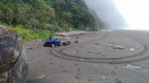 3沙灘車先後捲入海 宜蘭共7人落水已知2死1傷4失蹤