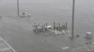 燕子襲日!關西機場滅頂 油輪撞上對外唯一聯絡橋