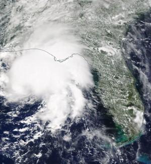 熱帶風暴襲捲美國墨西哥灣   逾2萬戶大停電、1童死亡