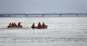 印度翻船釀3死11失蹤 疑嚴重超載導致