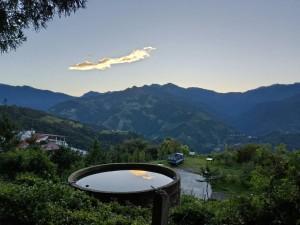 天兆?民眾拍到雲彩如金色祥龍  強颱當天轉向