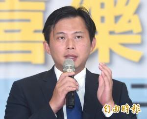 統促黨當街飆罵女學生 黃國昌:沒品的暴力犯罪組織