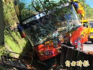 遊覽車基隆車禍致29傷   開罰2萬元、吊照1個月