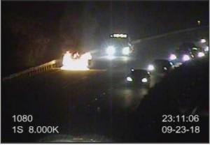 國道深夜火燒車 車輛回堵時速不到40公里