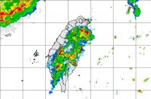 大雷雨即時訊息! 宜蘭、南投、雲林慎防驟雨強風