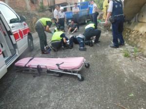 通緝犯拒檢又撞傷警 熱血貨車司機擋路助逮人