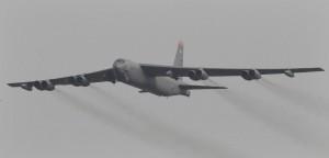 迫近中國! 美軍B-52轟炸機本週飛越南海附近