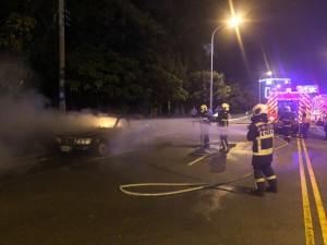 台中驚傳火燒賓士車 焦屍身分難辨識