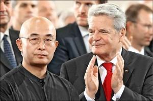 談中國釋放劉霞 流亡作家廖亦武:要感謝川普