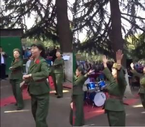 中國大媽扮紅衛兵墨爾本賀十一國慶 網友驚:群魔亂舞