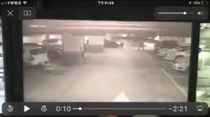 進地下停車場叭一下…北大社區住戶 遭2惡煞抄開山刀砸車