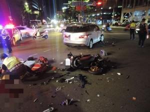 騎士疑車速過快 閃避不及飛撞轎車亡