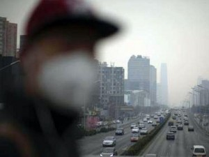 北京重度霧霾侵襲 夜晚能見度不到1公里