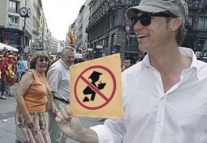 中國遊客禁止XX!瑞典電視台事件讓「這張圖」紅到維也納