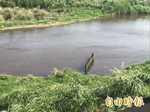 竹縣鳳山溪水染紅 環局籲民力協助「即時」通報