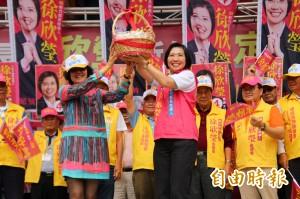 徐欣瑩成立溪南競選總部 柯P妹妹醫師柯美蘭來站台