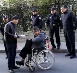 慘!中國戰鬥英雄成老兵 退伍上訪遭諷:勳章在哪?
