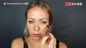 還在煩惱萬聖節該怎麼打扮? 美女化妝師示範超獵奇妝容