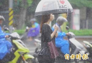 明北部東部濕涼有雨 中南部空品不佳