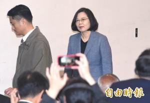 在臉書發表意見不會受監控 總統:台灣不可能走回戒嚴