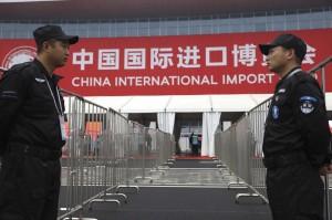 中國進博會開幕爆擾民被譙   維權人士被恐嚇失蹤