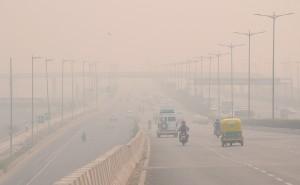 印度排燈節狂放鞭炮 PM2.5指數飆至999「不能再高」