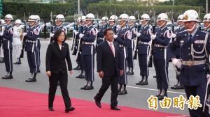 蔡英文軍禮歡迎帛琉總統 感謝未屈服中國壓力改變對台灣的支持