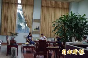 涉賄嘉市副議長現身議會 稱去中國為了治病